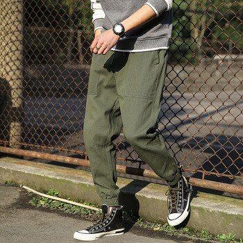 Pantalones jingjing de skateboard
