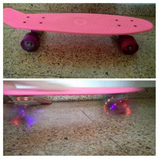 Skateboards color fucsia