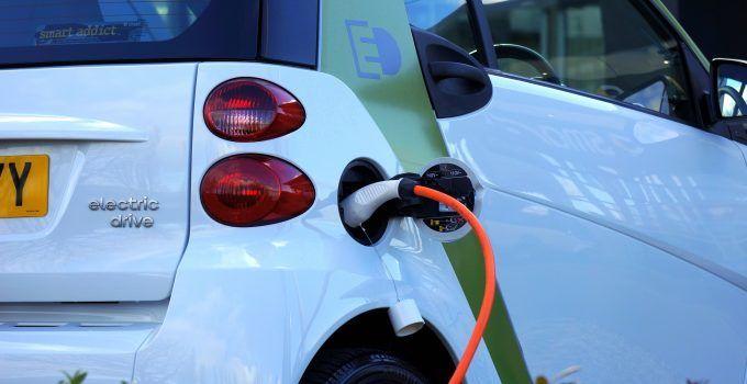 El potencial de las baterías solares para los fabricantes de vehículos eléctricos