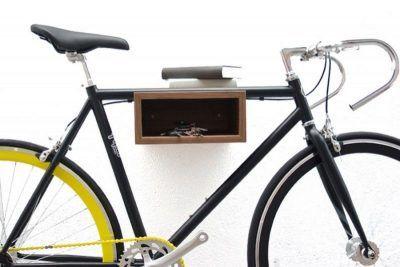 Soportes bicicletas pared madera